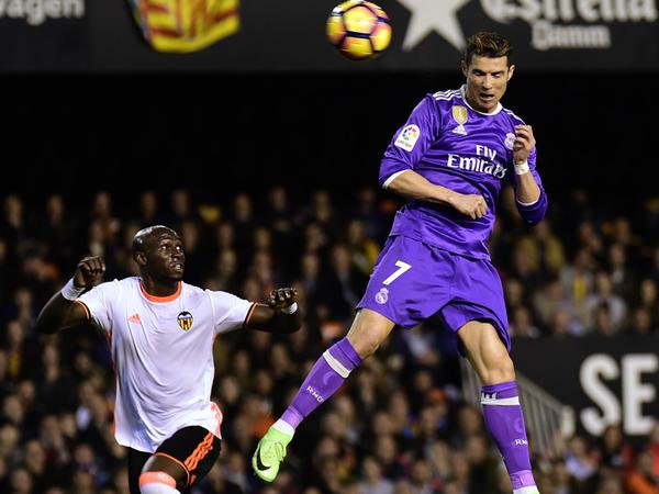 """""""Real"""" rekordunu yeniləyib, """"Barselona""""ya yaxınlaşdı"""