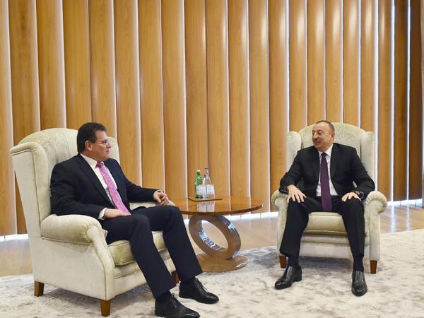 Prezident İlham Əliyev Maroş Şevçoviç ilə görüşüb