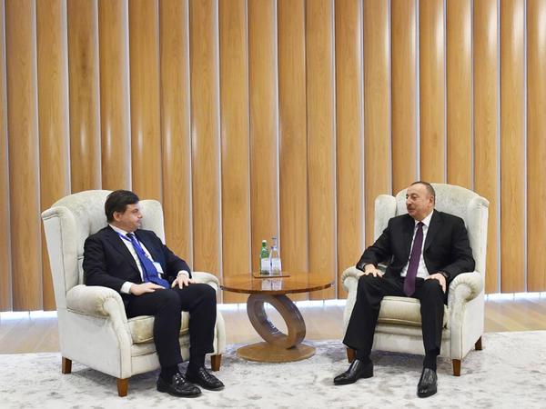 Prezident İlham Əliyev İtaliyanın iqtisadi inkişaf naziri ilə görüşüb