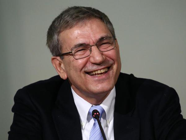 Orxan Pamuk mükafat aldı