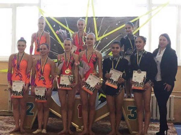 Azərbaycan akrobatları Ukraynadan medallarla qayıdıblar