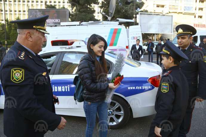 Azərbaycan polisindən qadınlara sürpriz