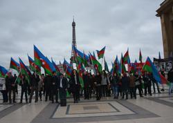 Fransızlar azərbaycanlılarla birgə Sarkisyana belə etiraz etdilər - FOTO