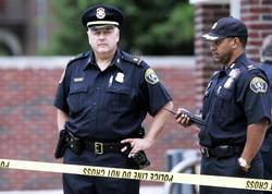 """ABŞ-da atışma: <span class=""""color_red"""">4 nəfər öldü, biri polisdir</span>"""