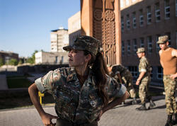 Dağlıq Qarabağdakı erməni hərbçi qadınların FOTOları