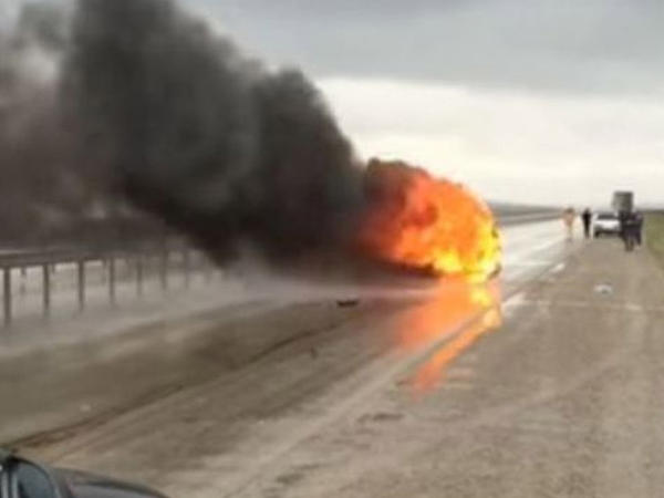 Bakı-Sumqayıt yolunda idmançının avtomobili belə yandı – VİDEO