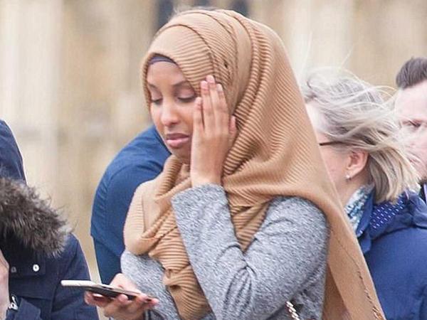 London teraktı: müsəlman qadını hədəfə aldı, rüsvay edildi - FOTO