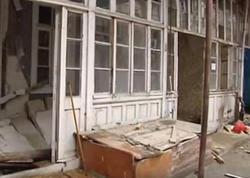 Məcburi köçkün ailəsi 24 ildir yaşadığı evdən çıxarılır - VİDEO