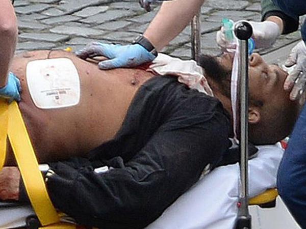 """Londonu qana bulayan terrorçu əvvəllər həbs olunub - <span class=""""color_red"""">Adrian kimi doğuldu, Xalid kimi öldü - FOTO</span>"""