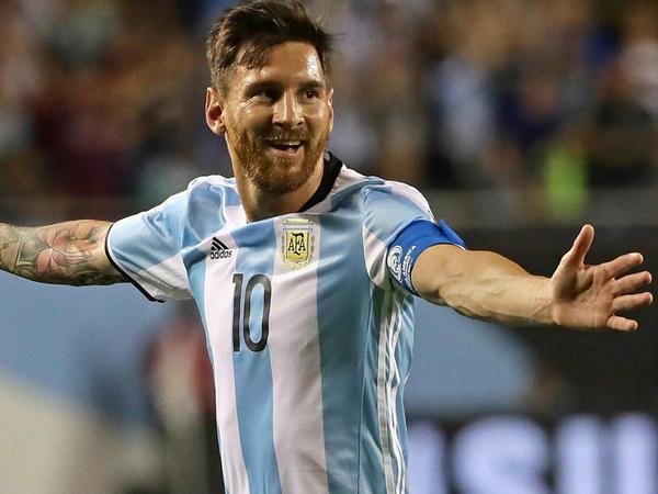 Messi Argentinaya qələbə qazandırdı - VİDEO