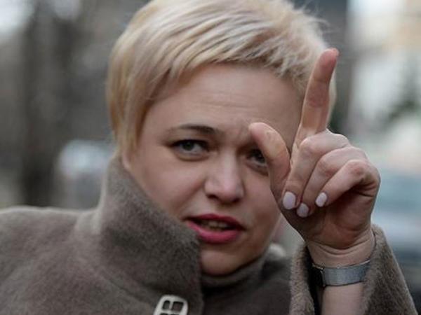 """""""Aeroflot"""" kök stüardessasını cəzalandırdı"""