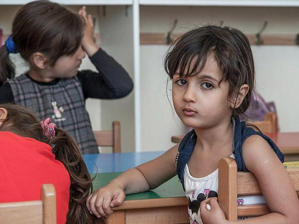 Uşaqların həyatları çox fərqlidir - FOTO