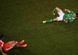 İrlandiya millisinin kapitanının matçda ayağı sındı - VİDEO