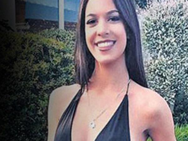 """O terrorçunun qızının fotosu yayıldı - <span class=""""color_red"""">Atasına qarşı çıxıb</span>"""