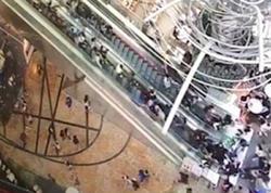 """Ticarət mərkəzində eskalator şoku: <span class=""""color_red"""">17 yaralı - VİDEO - FOTO</span>"""