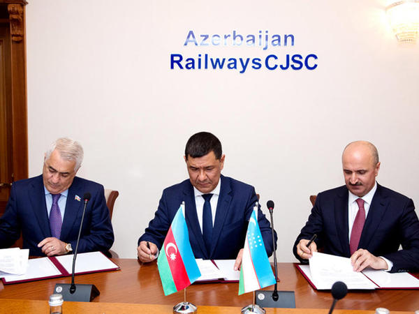 Azərbaycan və Özbəkistan yükdaşımalarla bağlı memorandum imzaladı - FOTO
