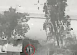 Dəhşətli görüntülər: İŞİD uşaqdan qalxan kimi istifadə etdi - VİDEO - FOTO