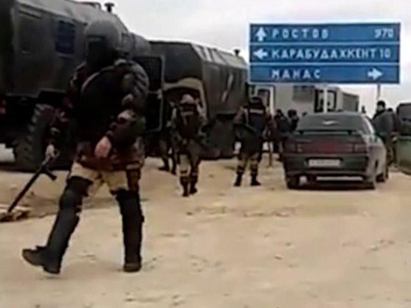 Zirehli texnika azərbaycanlı sürücülərə hücum edənlərin düşərgəsindən çəkildi: Abdulatipovun gəlişi gözlənilir - FOTO