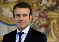 Fransa prezidenti seçki məntəqəsinə tək getdi