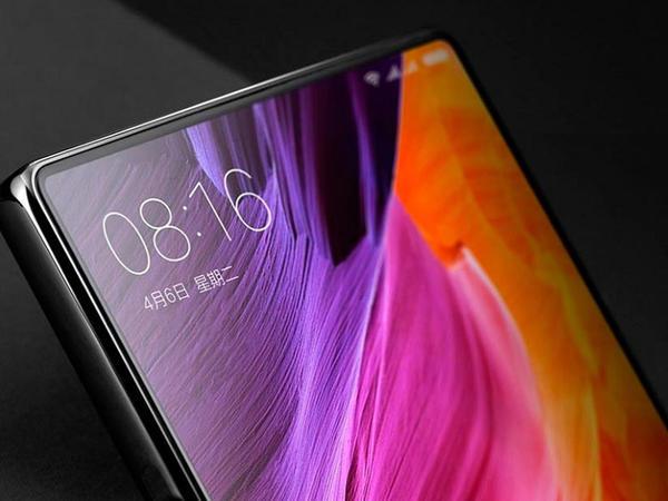 Xiaomi Mi Mix 2gəlir