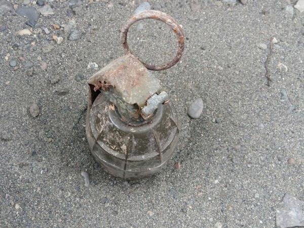 Polis şöbəsinin silah anbarından əl qumbarası götürüldü - FOTO