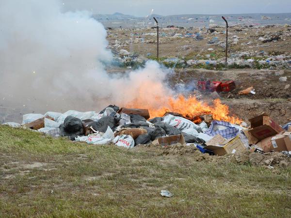 Ölkəyə qanunsuz keçirilən 459 mobil telefon məhv edildi - FOTO