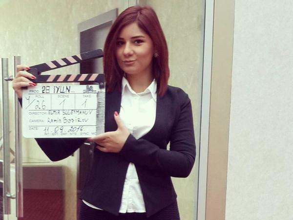 """Azərbaycanlı aktrisa: """"Əgər mənə yaraşırsa, niyə də açıq-saçıq libaslar geyinməyim?"""" - FOTO"""