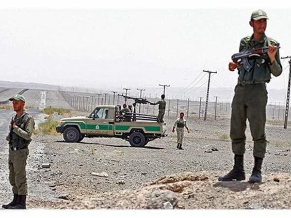 İranın Pakistanla sərhəd bölgəsində silahlı insident: 10 sərhədçi ölüb, 3-ü yaralanıb