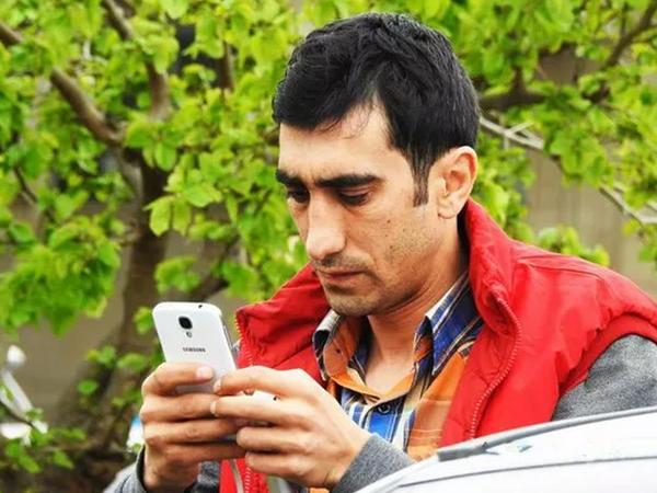 Bakıda jurnalistin avtomobilinə hücum olub - VİDEO - FOTO