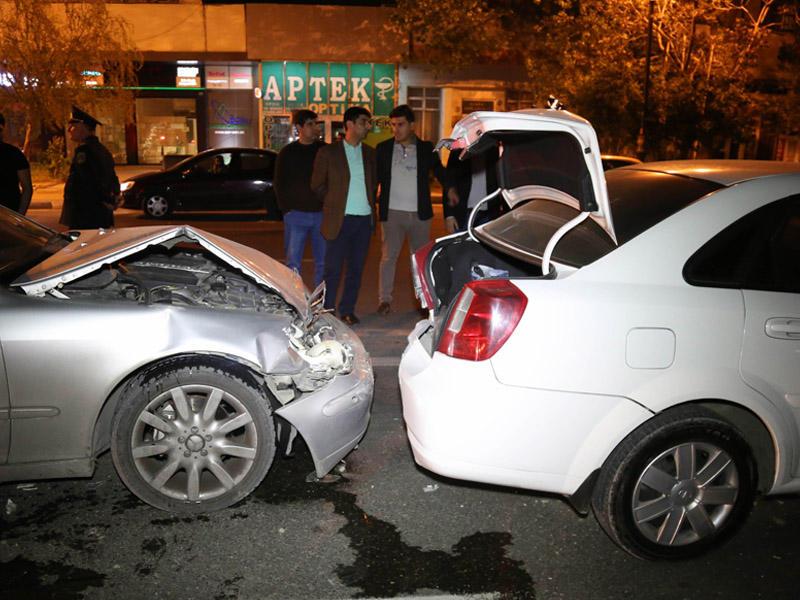 Bakıda qadın sürücü zəncirvari yol qəzasına səbəb oldu – VİDEO
