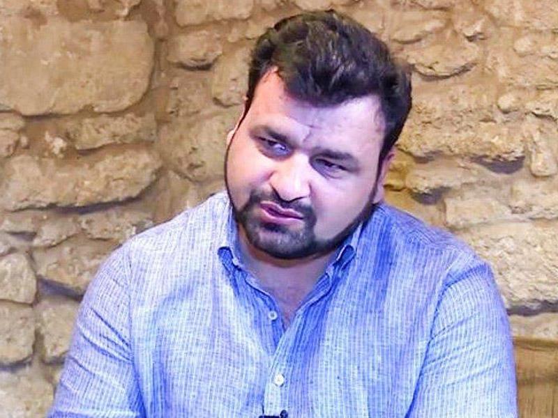 Xalq artisti jurnalistə hücum etdi - Məhkəmədə qalmaqal