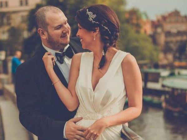 Şahandan xanımına romantik ildönümü mesajı