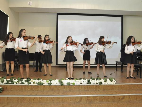 33 nömrəli Uşaq Musiqi Məktəbinin konserti - FOTO