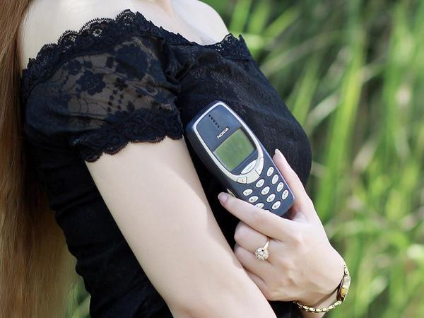 """""""Nokia 3310"""" seks oyuncağı kimi istifadə edilir"""