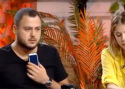 Telekanal rəhbəri canlı efirə qoşulub aparıcını acıladı - VİDEO