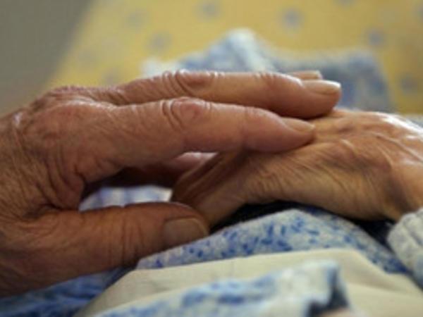 Bakıda 80 yaşlı qadın oğlu tərəfindən qəddarcasına döyülüb