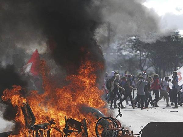 Braziliyada iğtişaşlar: azı 49 yaralı