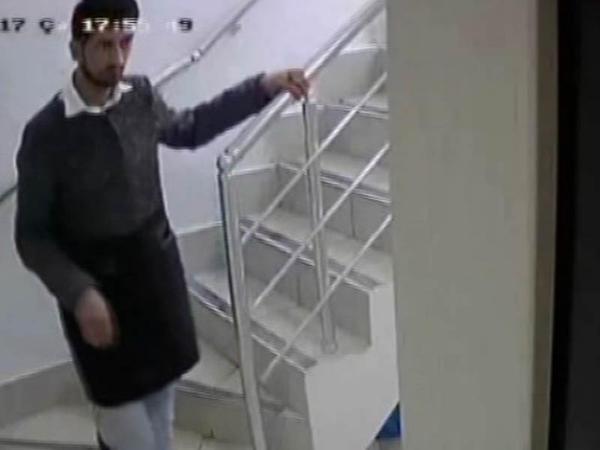 Bakıda kompüter oğruları kameraya düşdü - VİDEO