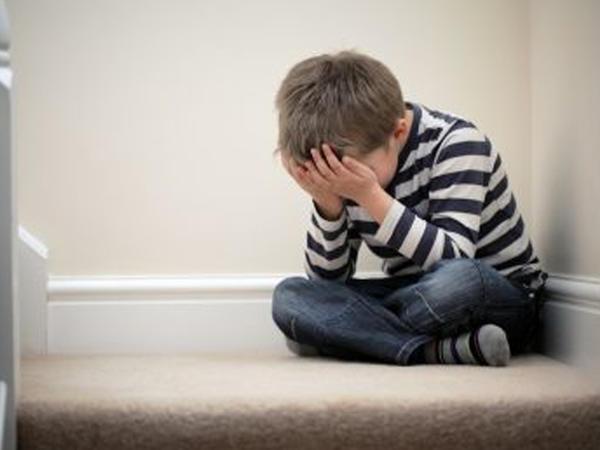 Facebook-a bağlılığınız uşaqlarınıza mənfi təsir edir