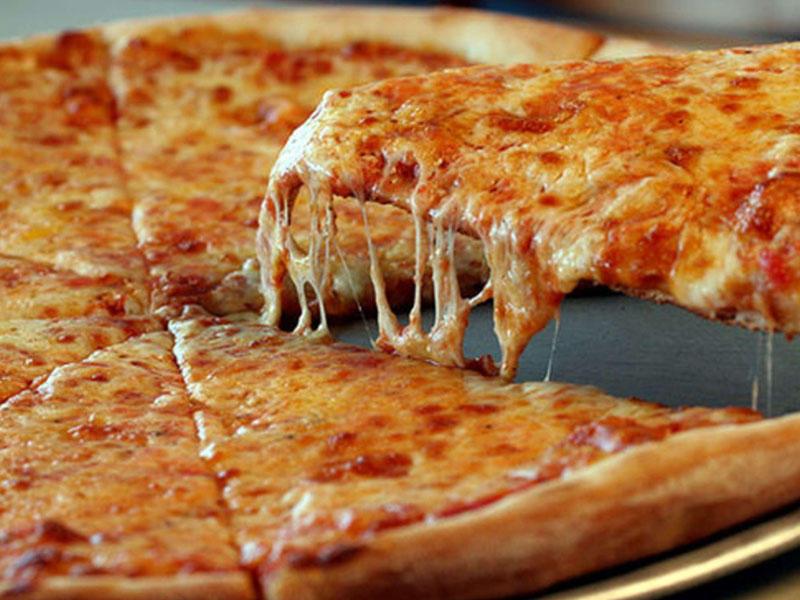 Müsəlmandan 100 milyon dollarlıq halal pizza iddiası: Donuz əti vardı! - VİDEO - FOTO