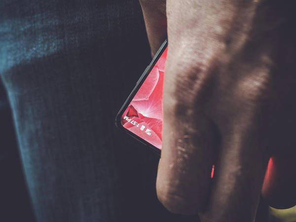 """""""Android""""in yaradıcısı smartfon hazırlayıb"""