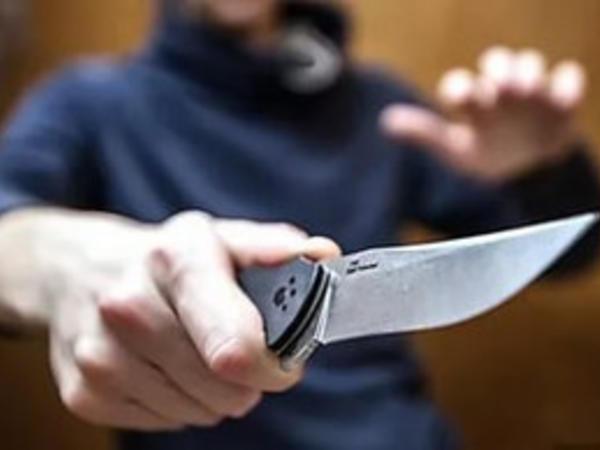 Bakıda 24 yaşlı gənc bıçaqlanıb