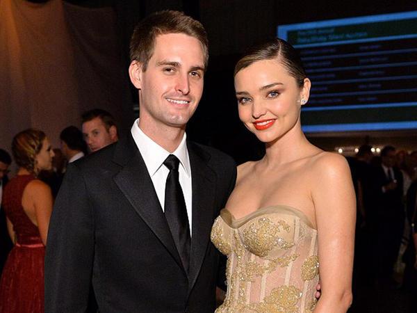 Milyarderlə məşhur model evləndilər - FOTO