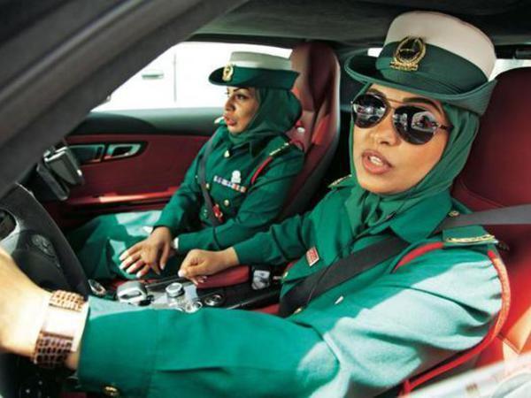 Ən bahalı maşınları Dubay polisi sürür - FOTO