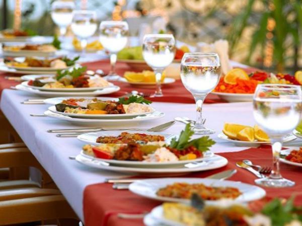 Paytaxt restoranlarıda iftar menyusu: Qiymətlər necədir? - VİDEO