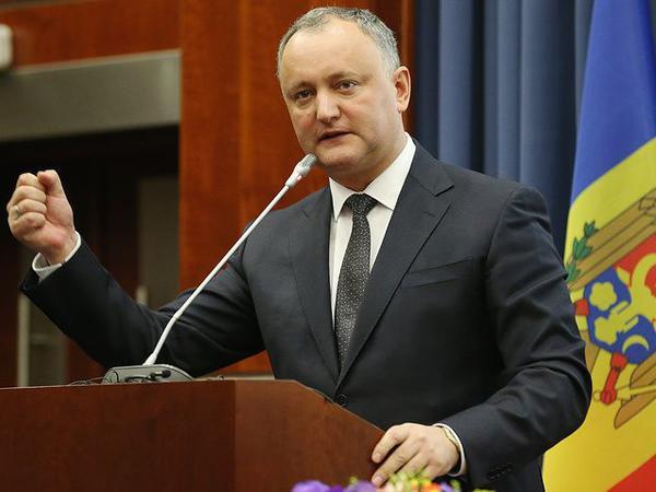 Dodon Rusiya diplomatlarının qovulmasını pisləyib