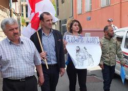 Məcburi köçkünlər Ermənistan səfirliyi qarşısında aksiya keçiriblər - FOTO