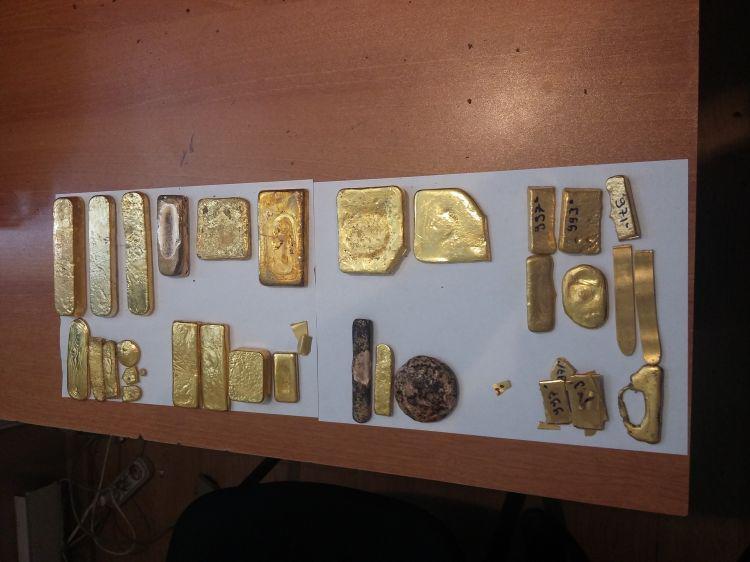 7 kiloqramdan artıq qızıl külçənin ölkədən çıxarılmasının qarşısı alındı - FOTO