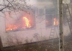 Biləsuvarda ev yandı