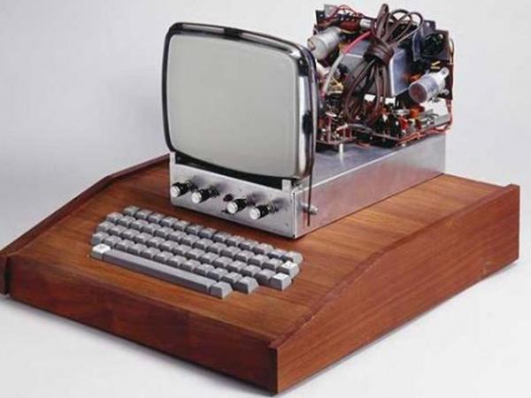 """1976-cı il tarixli """"Apple"""" kompüteri satıldı"""